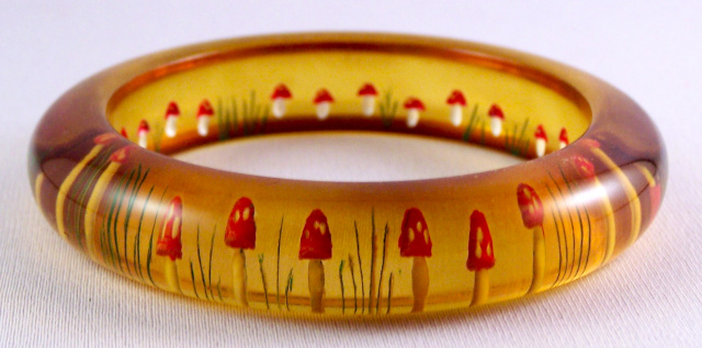 AB22 mushroom reverse carved bakelite bangle