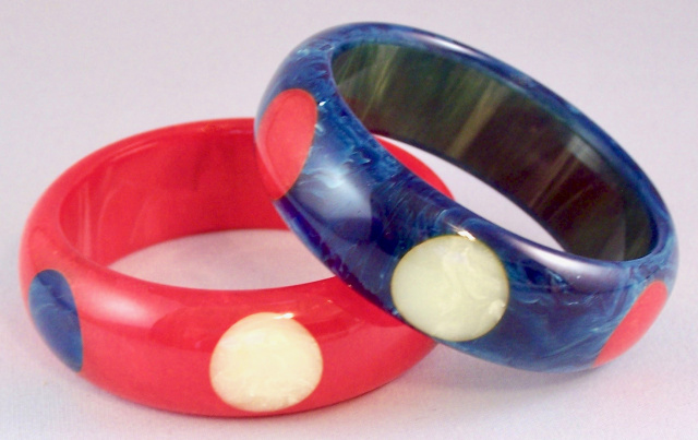 AB25 Pantti red white & blue dot bangles