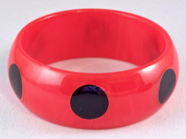 AB28 marbled red/ black dots bangle