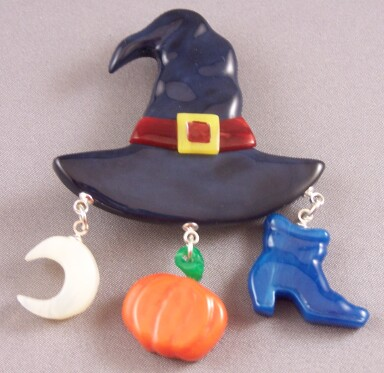 AB6  witches hat charm pin