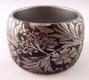 PO29 wide PONO matte blk/silver etched floral resin bangle